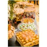 buffet para festa de debutante para alugar Parque São Domingos